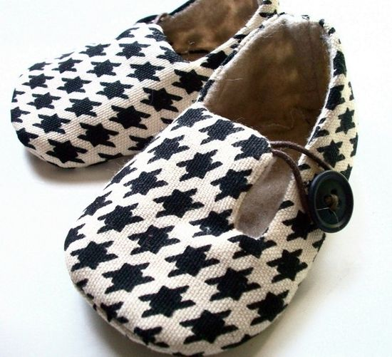 crib shoes. I love the houndstooth fabric.