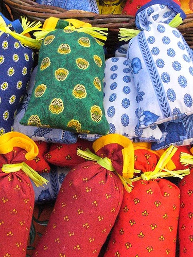 Apt market - Provençal fabric lavender sachets