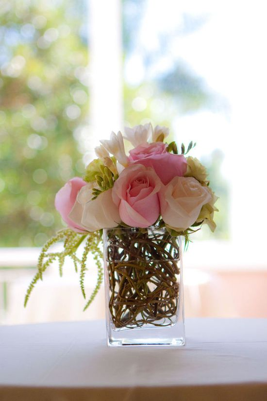 Flower arrangements simple -- When less is more