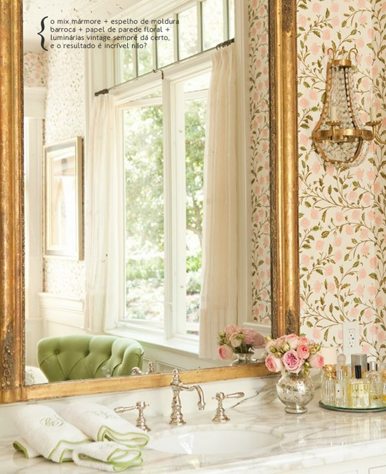Romantic décor for the toilet. #decor #Modern #interior #design #casadevalentina