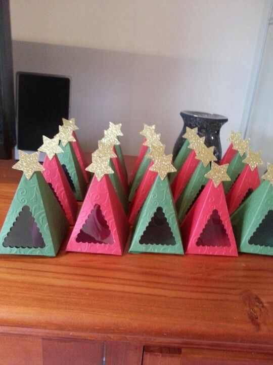 gift boxes using petal cone die