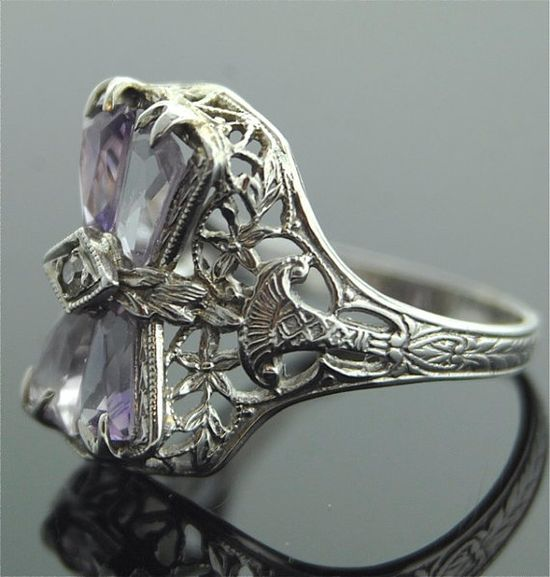 Antique Ring - 14k White Gold Filigree Ring with Amethyst...