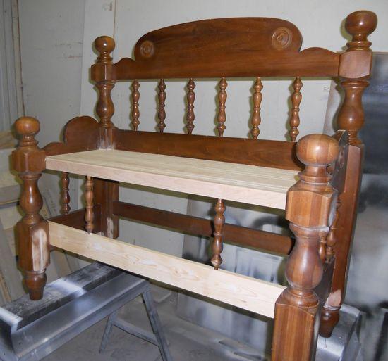 Пейка от стари табла за легло
