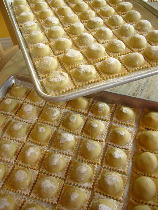 Fresh Handmade Ravioli with Spinach - Pancetta Filling