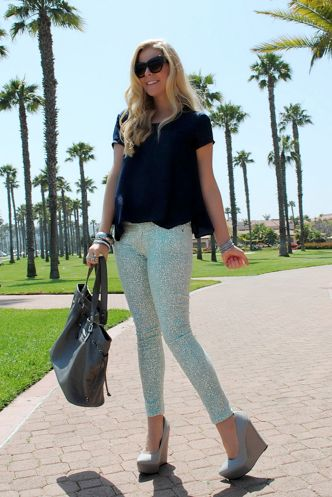 pastel pants are perfect for summer
