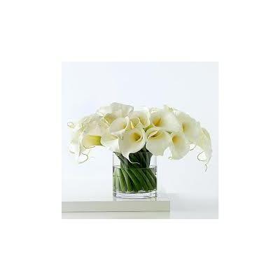 simple modern flower arrangements -