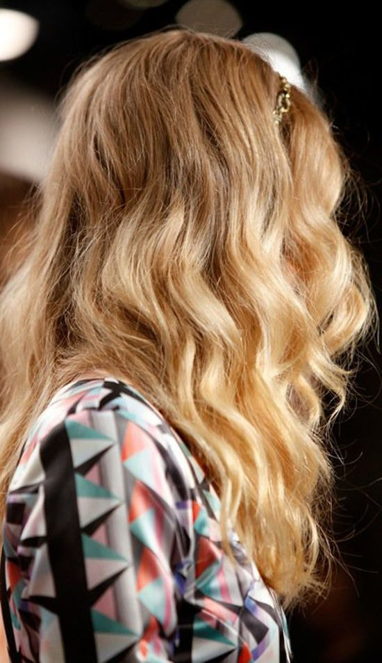 Loose Wavy Hairstyle