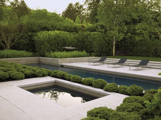 Architecturally dramatic Bay Area garden by landscape architect Andrea Cochran. Photo by Marion Brenner. Via www.californiahom....