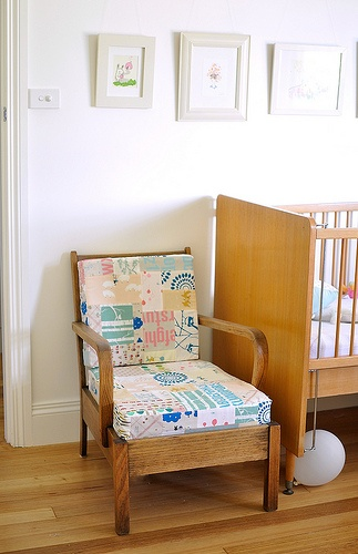 patchwork chair :) oh how I'd love to cover it in ink and spindle fabrics...