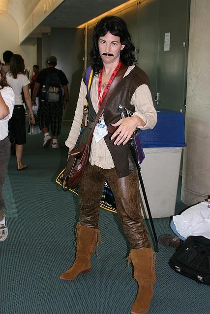 My name is Inigo Montoya, you kill my father... prepare to die. Awesome Princess Bride cosplay.