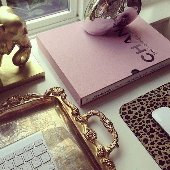 Chic. Gold - Light Purple - Leopard Print