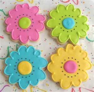 Check Out These Colorful Flower Cookies via #TheCookieCutterCompany