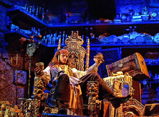 Love Jack Sparrow at Disney's Pirates of the Caribbean ride!
