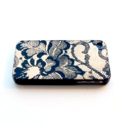 DIY Lace Cell Phone Case. Super elegant and easy to make!