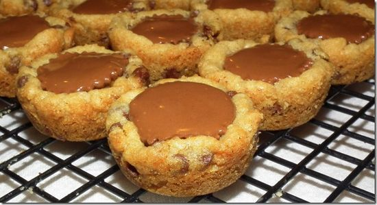 Mini Chocolate Chip Reese's Peanut Butter Cup Cookies #Mini #Chocolate #Reese's #Peanut #Butter #Cookies #Sweet #Dessert