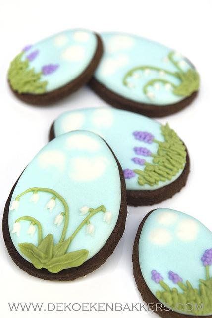 Beautiful Easter Scene Egg Shaped Cookies. #eggs #Easter #cookies #decorated #food #baking #dessert #cute
