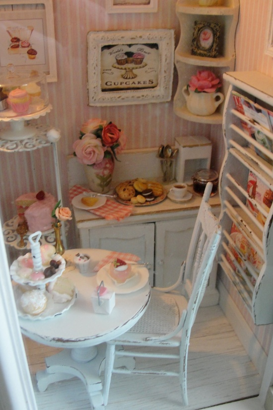 Miniature filled bakery