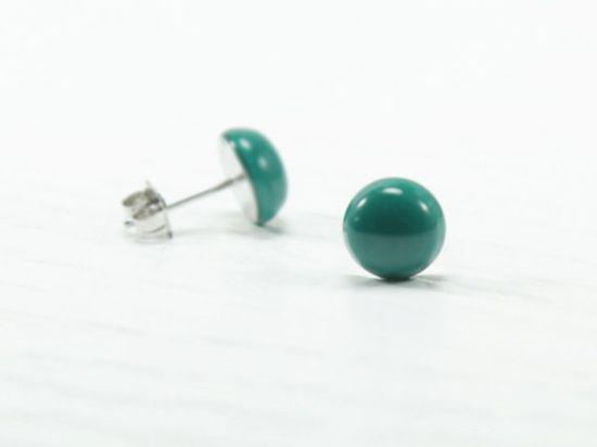 #emerald #green #stud #earrings #roundearrings #jewelry #preppyjewelry #hipstersjewelry #studearrings #postearrings