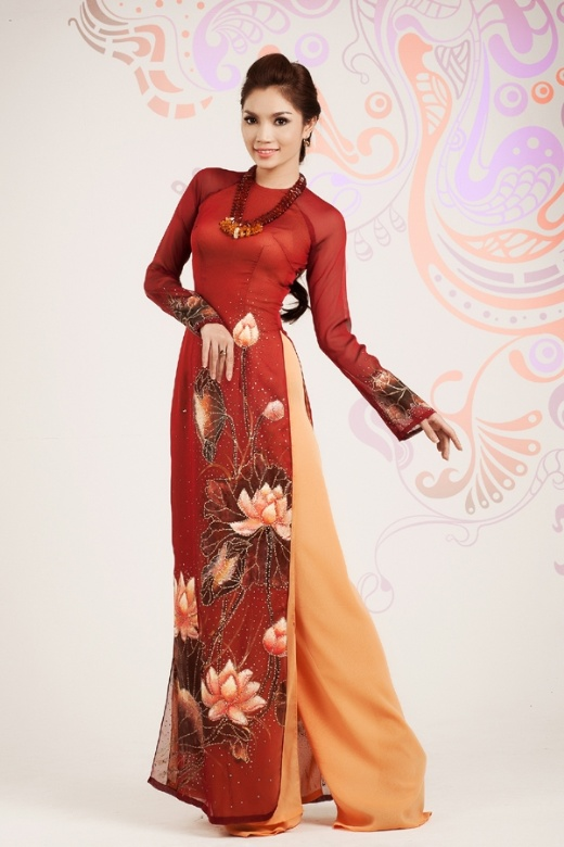 Ao Dai fondo de Loto....I am getting one of these.  I always wanted one