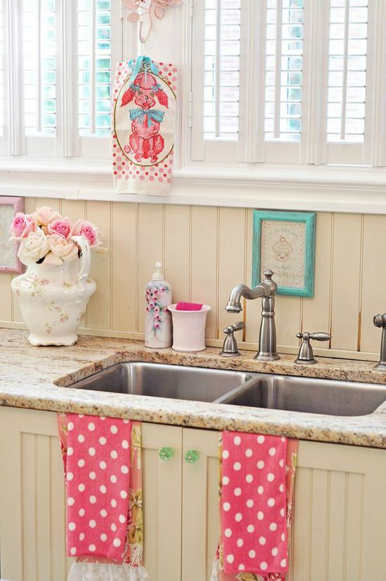 romantic vintage kitchen 13--Kitchen shabby decor// get rid of the dog towel and this would be perfect! #kitchen #vintage #pink #shabbychic