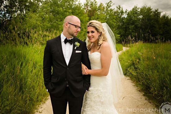 Bride & Groom wedding photo.