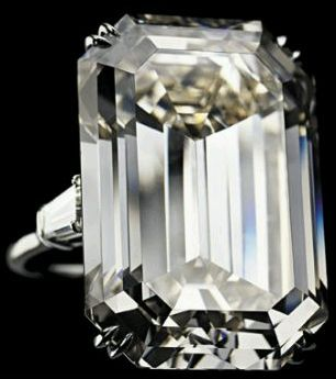 WOW- Jacqueline Kennedy's engagement ring 71.73-carats