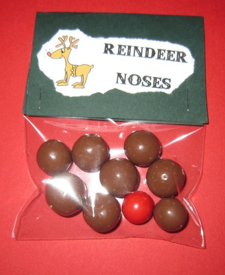 Hand Made-n's: Reindeer noses - an inexpensive but cute gift