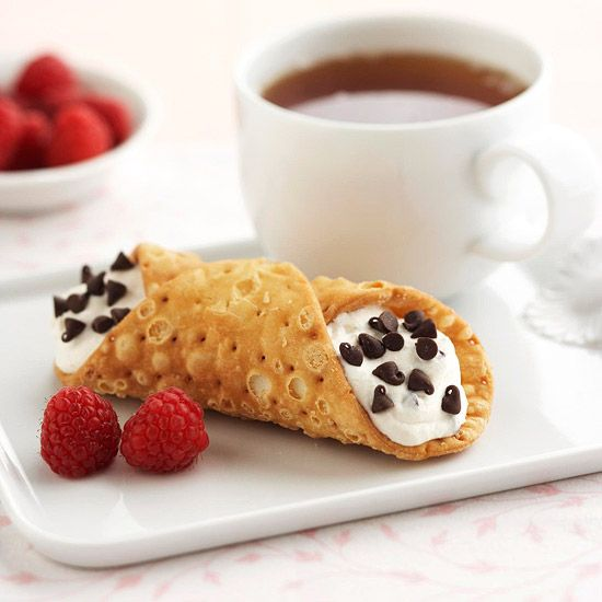 You don't need to be a master baker to whip up this Can-Do Cannoli! More 30-minute desserts: www.bhg.com/...