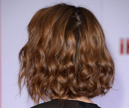 So Perfect for a Midweek Date Night: Rebecca Hall's Tousled Wavy Lob