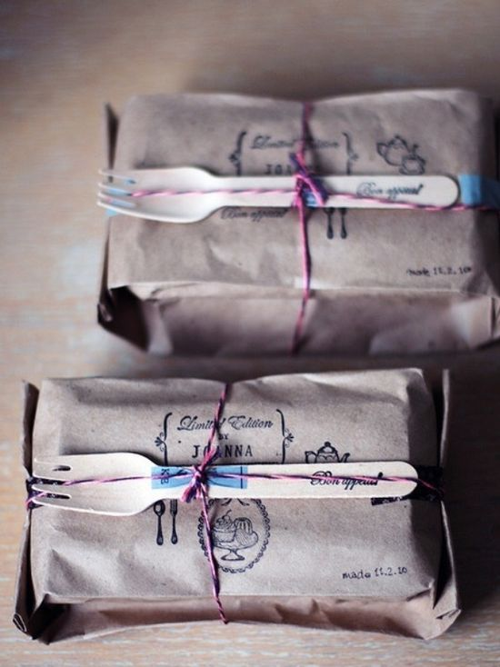 Cool way to wrap food gifts.