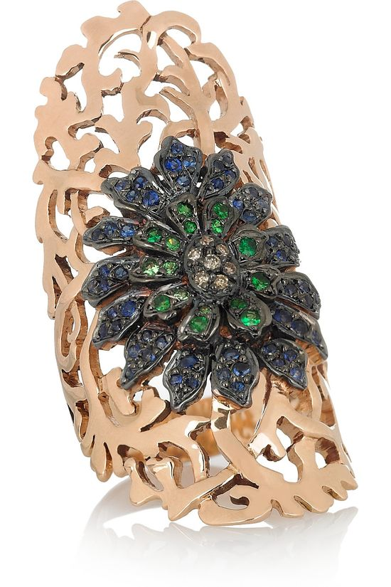 #ILEANAMAKRI  Shield 18-karat rose gold diamond and sapphire ring