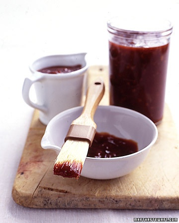 Do-it-yourself gift for dad: Homemade barbecue sauce