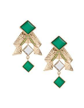 Great emerald earrings!
