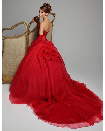 Wedding Dress. Red. www.partyista.com