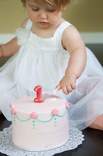 1st birthday cake smash photo tips. K- Love the white sun dress. G