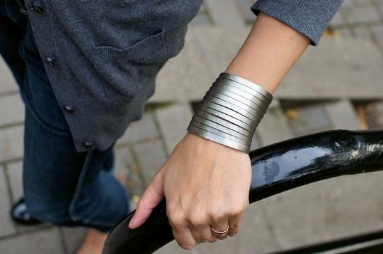 bracelet, leather ~ patkas