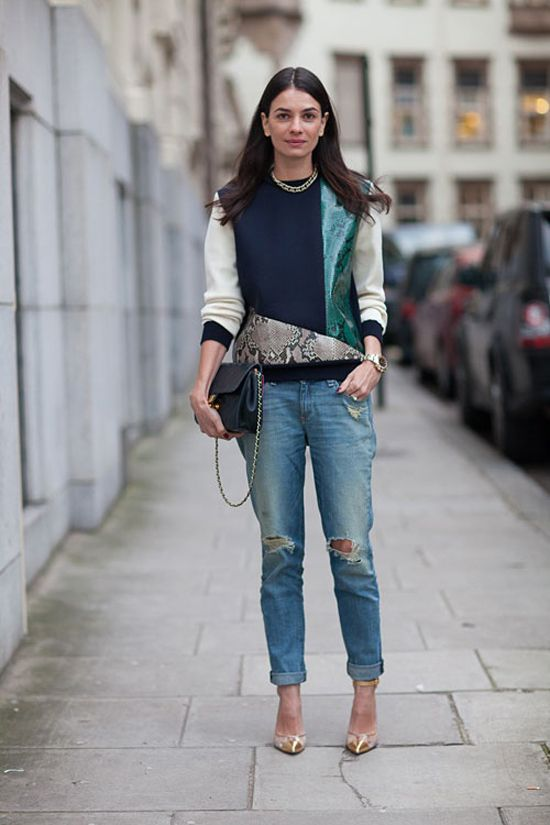 style: distressed jeans