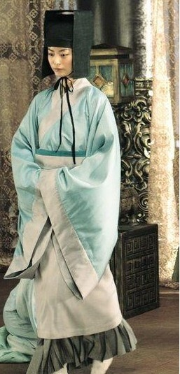 Ancient Chinese Han Dynasty Government Official Costumes and Hat