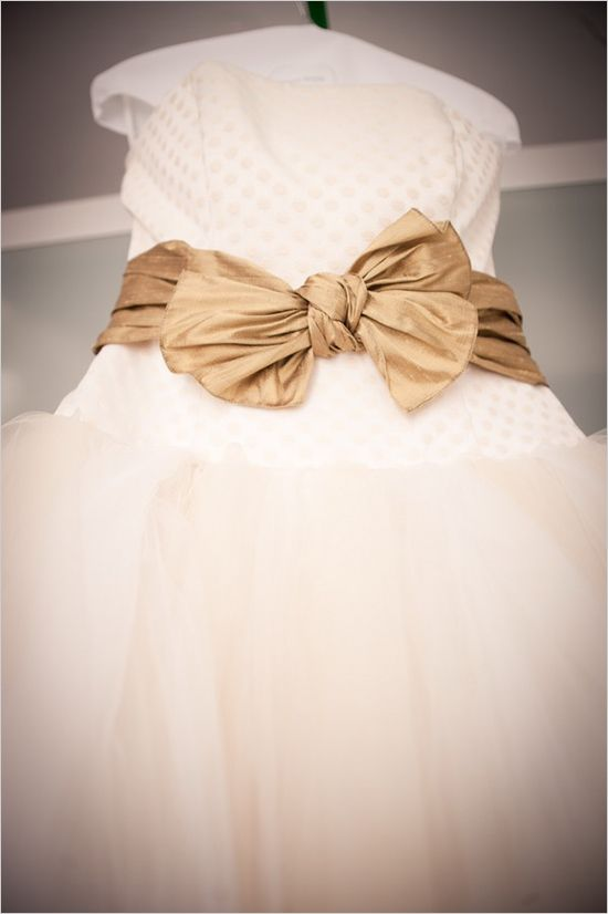 gold bow wedding ideas