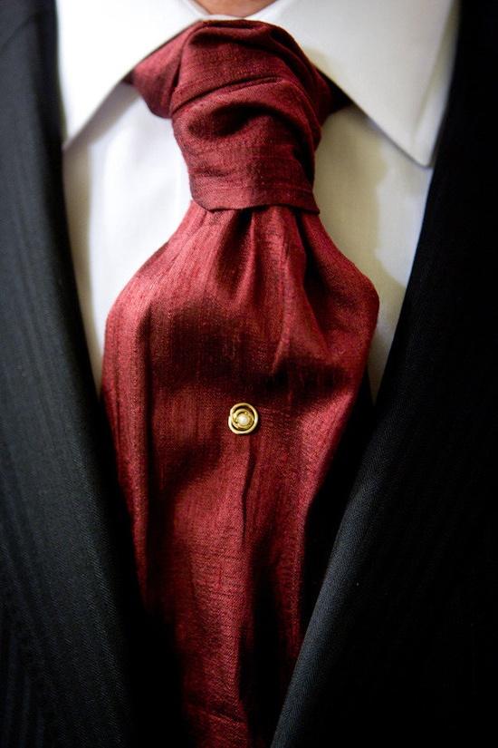Men's fashion aficionados ~ Is this a cravat? Photography by jenfariello.com