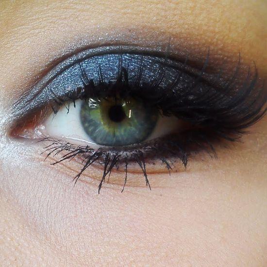 Black smoky eye