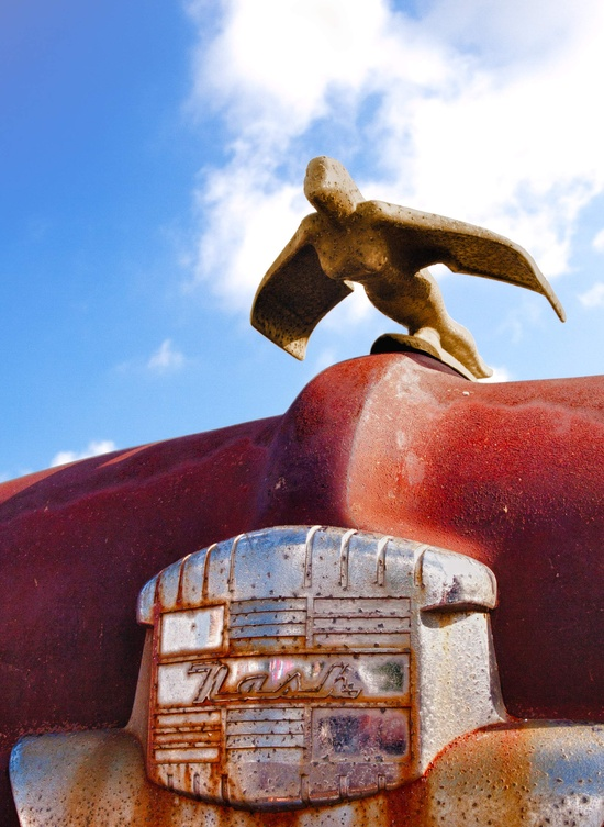 Nash Motors hood ornament,
