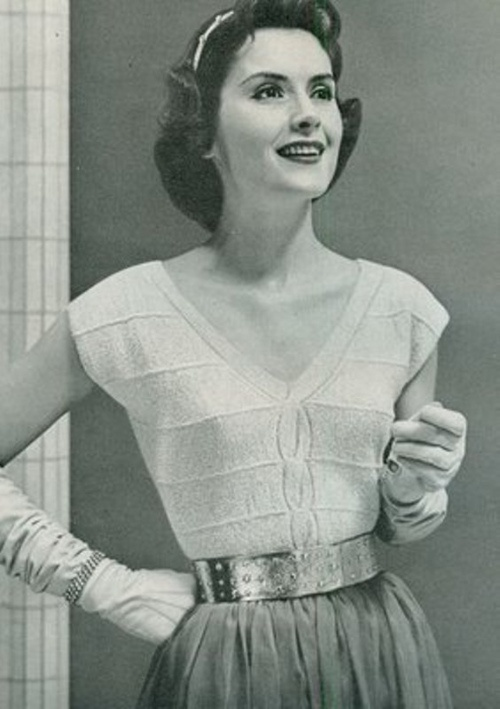 1950's Fashion -I love the outfit & hairstyle!