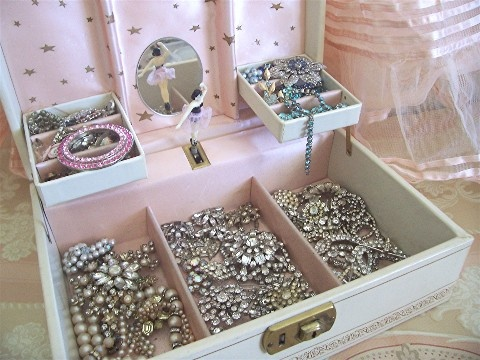 vintage jewelry box full of bling