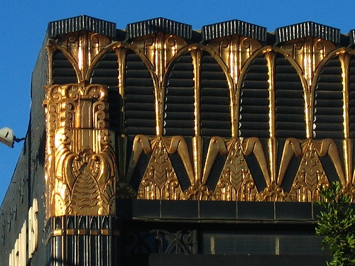 gold & black deco!