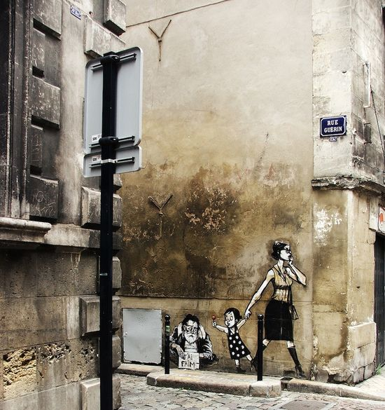 Clever graffiti, Paris.