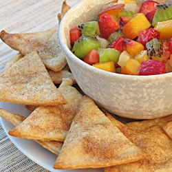 Fruit salsa with cinnamon pie chips