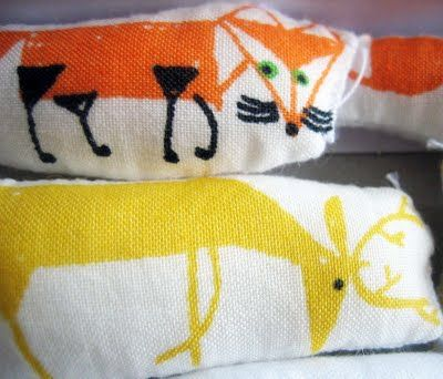 wee easy stuffed animals project using fabric crayons