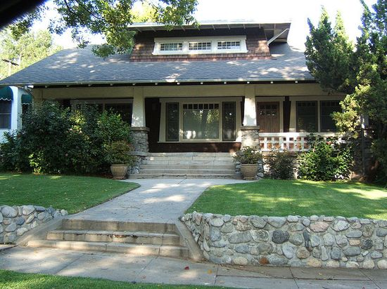 Craftsman Bungalow in Eagle Rock, California (can you tell that I love craftsman bungalows?)