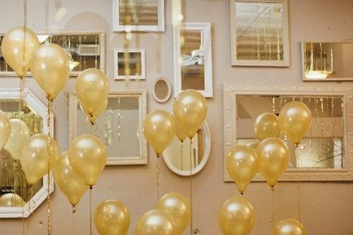 such a fun party decor ideas {mix match mirrors and balloons}
